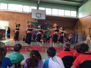 Ura dancers